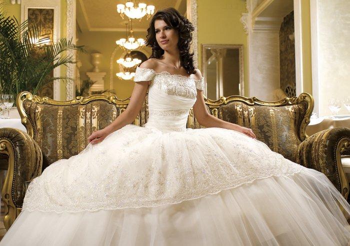 Выбрать и купить свадебное платье в Санкт-Петербурге